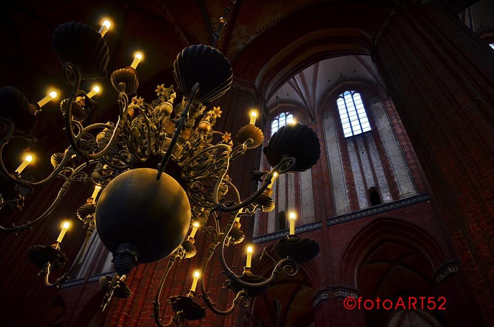 Blick nach oben - Kirchengewölbe von der Gotik bis Gaudi